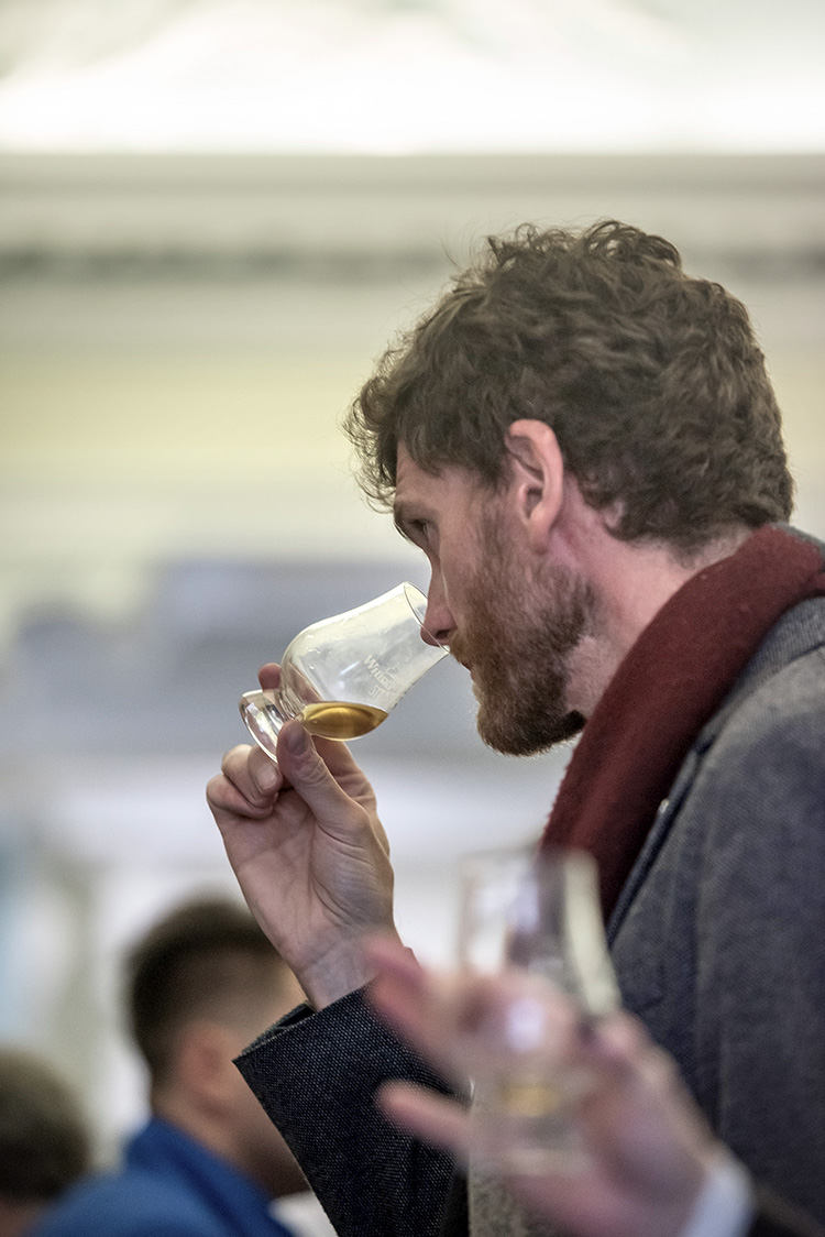 Edinburgh Whisky Stramash 2019 event photographs, man nosing a whisky